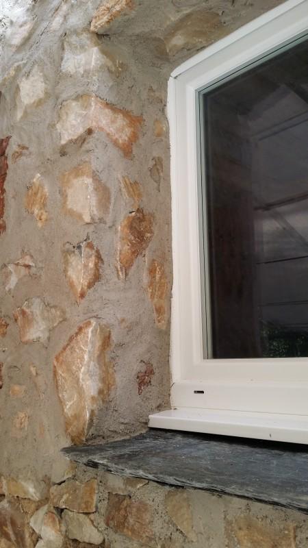 Chambres d'hôtes, détail de la finition de la fenêtre