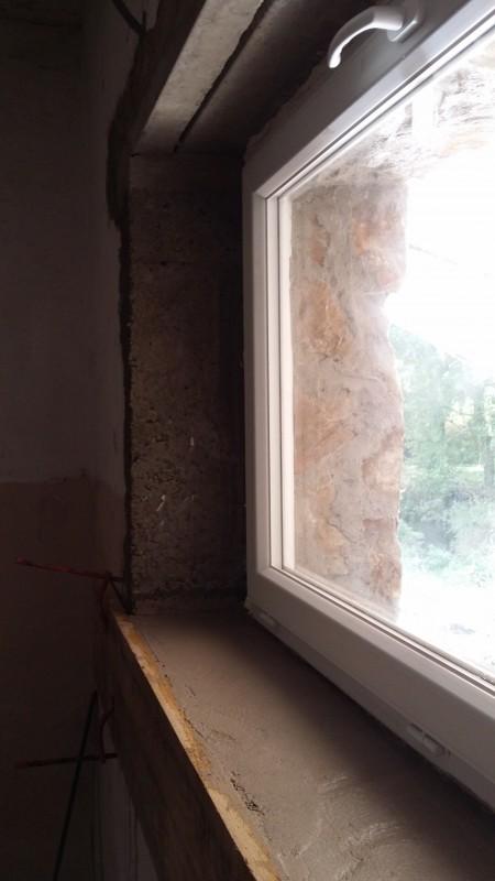 Chambres d'hôtes, vue intérieure de la finition de la fenêtre